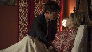 La cena di Natale: Laura Chiatti e Riccardo Scamarcio in una scena del film