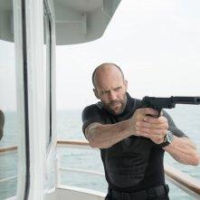 Mechanic: Resurrection, Jason Statham in azione in una scena del film