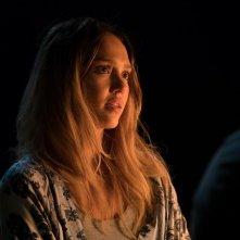 Mechanic: Resurrection, Jessica Alba in una scena del film