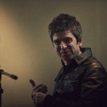 Oasis: Supersonic, Noel Gallagher in un'immagine del documentario