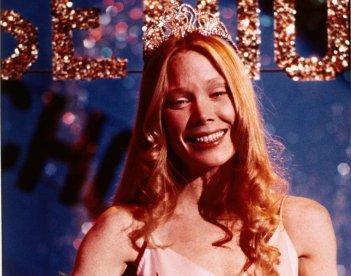 Carrie: una sorridente Sissy Spacek