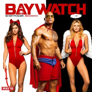 Baywatch: Alexandra Daddario, Dwayne Johnson e Kelly Rohrbach in una foto promozionale del film
