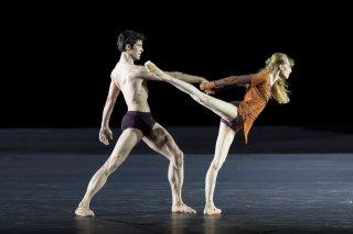 Roberto Bolle - L'arte della danza: Roberto Bolle durante un'esebizione