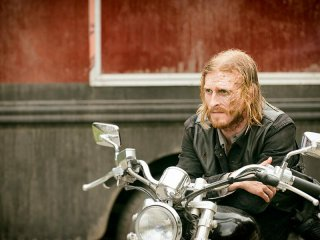 The Walking Dead: Austin Amelio è Dwight in The Cell