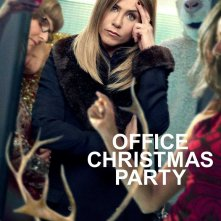 Office Christmas Party: un poster del film con Jennifer Aniston