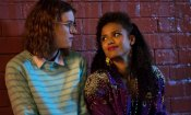 Black Mirror: il creatore Charlie Brooker svela la playlist di 'San Junipero'