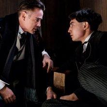 Animali Fantastici e Dove Trovarli: una foto degli attori Colin Farrell ed Ezra Miller