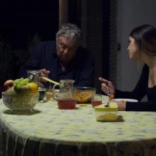 Fratelli di sangue: Carlotta Morelli e Maurizio Mattioli in una scena del film