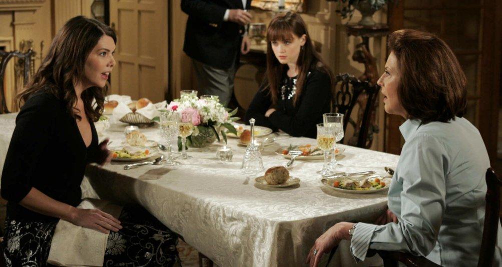 Una mamma per amica: Lauren Graham, Alexis Bledel e Kelly Bishop in una scena