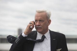 Sully: Tom Hanks in una scena del film