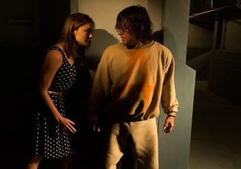 The Walking Dead: Christine Evangelista e Norman Reedus in The Cell