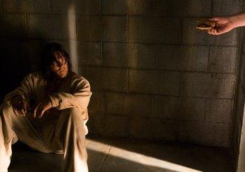 The Walking Dead: Norman Reedus interpreta Daryl Dixon in The Cell