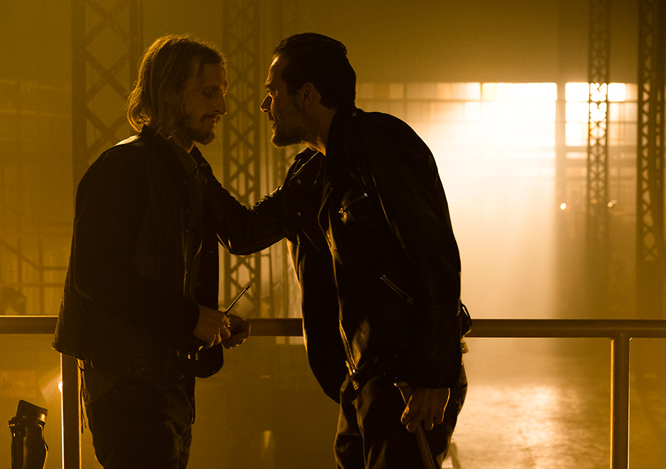 The Walking Dead: una foto degli attori Austin Amelio e Jeffrey Dean Morgan in The Cell