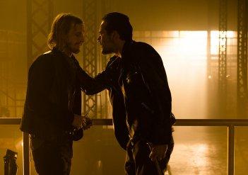 The Walking Dead: una foto degli attori Austin Amelio e Jeffrey Dean Morgan in The Cell