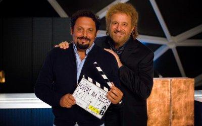 """Poveri ma ricchi, Brignano e De Sica: """"Non chiamatelo cine-panettone!"""""""