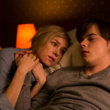 Shut In - L'inganno: Naomi Watts e Charlie Heaton in una scena del film