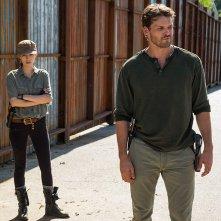 The Walking Dead: Christian Serratos e Austin Nichols nell'episodio Al tuo servizio