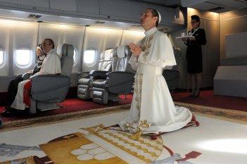 The Young Pope: Jude Law in una scena dell'ottavo episodio