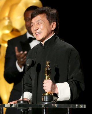 Jackie Chan riceve l'oscar alla carriera, nel 2016