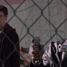 Training Day: Ethan Hawke e Denzel Washington insieme in una scena del film