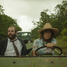 La loi de la jungle: Vimala Pons e Mathieu Amalric in un momento del film