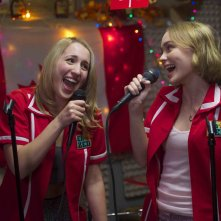 Yoga Hosers: Lily-Rose Melody Depp e Harley Quinn Smith in un'immagine tratta dal film