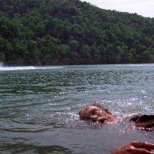 Piranha: una scena del film