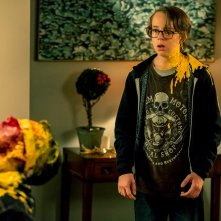 Safe Neighborhood: Ed Oxenbould in una scena del film