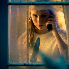 Safe Neighborhood: Olivia DeJonge in un'immagine del film