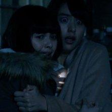 The Ring vs. The Grudge: Tina Tamashiro e Mizuki Yamamoto in un momento del film