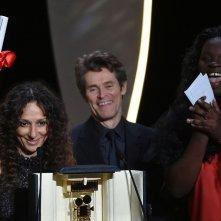 Divines: la regista Houda Benyamina premiata con la Camera d'or