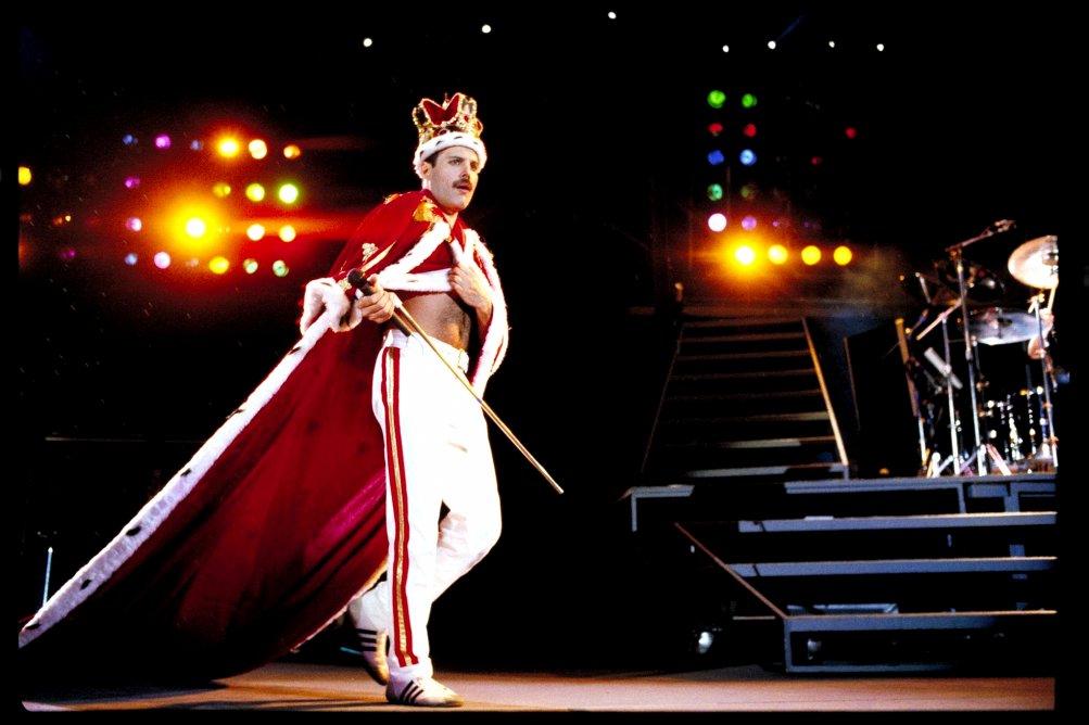 Freddie Mercury durante una performance