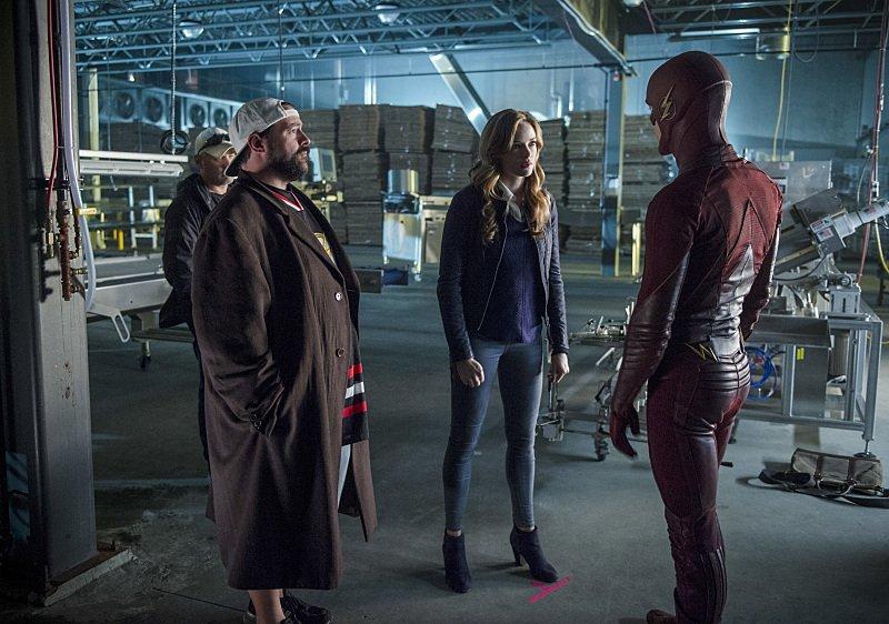The Flash: Kevin Smith, Danielle Panabaker e Grant Gustin sul set di Killer Frost