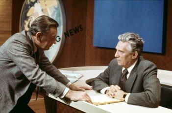 Quinto Potere: William Holden e Peter Finch in una scena