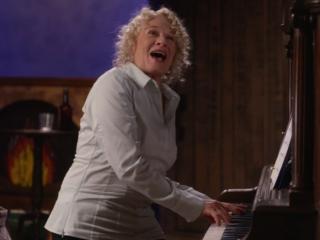 Una mamma per amica: di nuovo insieme, una scena musicale di Estate