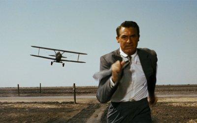 Cary Grant, fascino ed ironia: 5 ruoli indimenticabili del divo