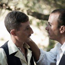 La stoffa dei sogni: Ciro Petrone e Francesco Di Leva in una scena del film