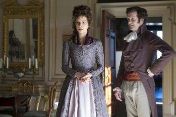Amore e inganni: Kate Beckinsale e Tom Bennett in una scena del film