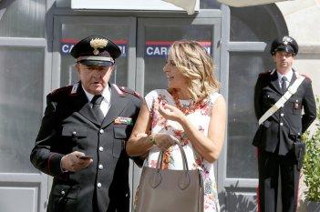 Un Natale al Sud: Massimo Boldi e Debora Villa in una scena del film