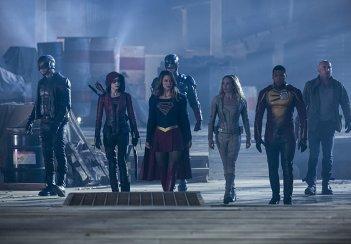 The Flash: i supereroi riuniti in Invasion!