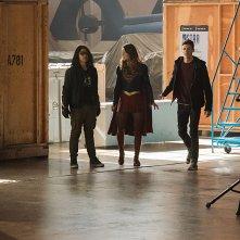 The Flash: Carlos Valdes, Melissa Benoist e Grant Gustin in Invasion!
