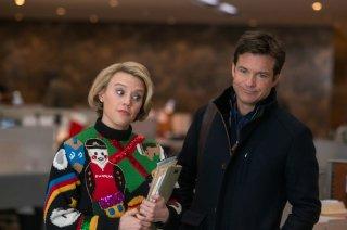 La festa prima delle feste: Jason Bateman e Kate McKinnon in una scena del film
