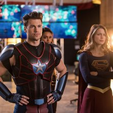 Legends of Tomorrow: Nick Zano e Melissa Benoist in Invasion!