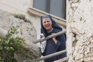 Non c'è più religione: Angela Finocchiaro in una scena del film