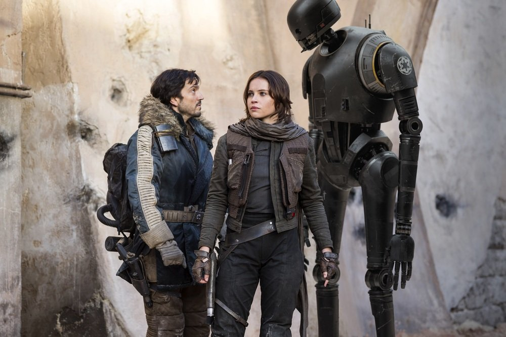 Rogue One: A Star Wars Story, Felicity Jones e Diego Luna in una foto del film