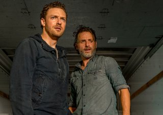 The Walking Dead: gli attori Ross Marquand e Andrew Lincoln nell'episodio Tu sei il mio sole