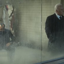 Westworld: gli attori Jeffrey Wright e Anthony Hopkins in The Bicameral Mind