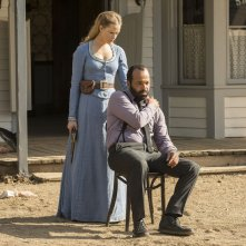 Westworld: Evan Rachel Wood e Jeffrey Wright in The Bicameral Mind