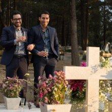 Sense8: Alfonso Herrera e Miguel Angel Silvestre al cimitero