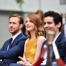 Emma Stone e Ryan Gosling con Damien Chazelle al TLC Chinese Theatre
